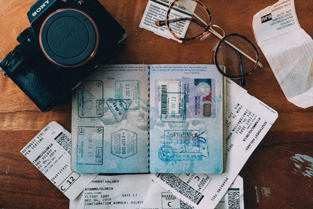 Green Pass foto di passaporto con macchina fotografica
