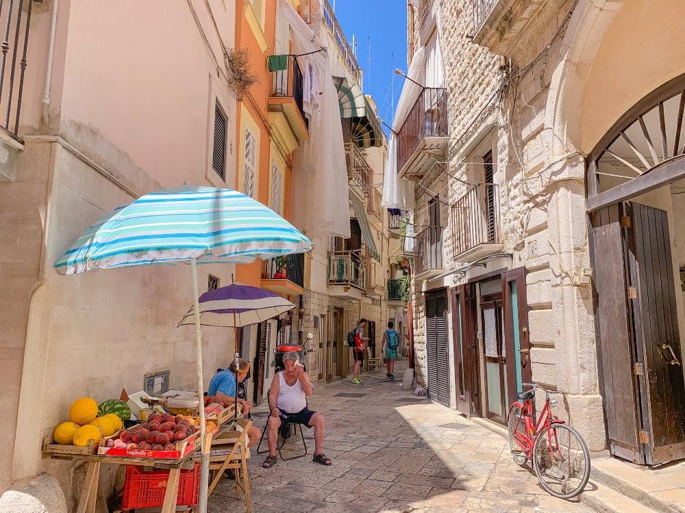 itinerario in Puglia vicoli di Bari vecchia